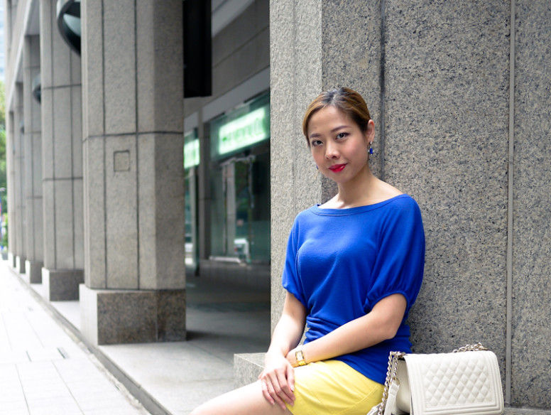 how to style yellow and blue singapore style blog